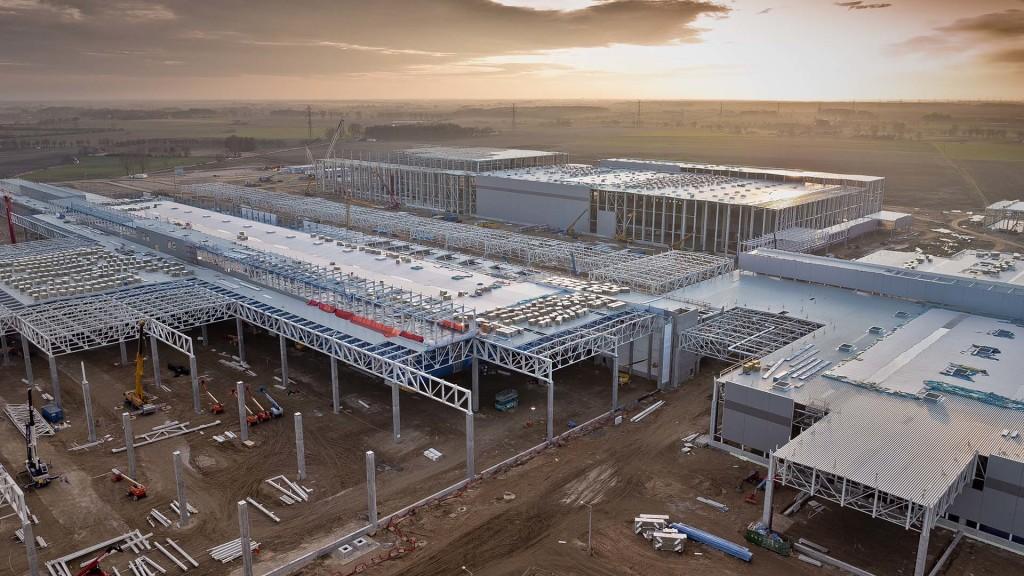 Budowa fabryki Volkswagena we Wrzesińskiej Strefie Aktywności Gospodarczej (zdjęcie użyczone przez Volkswagen Poznań, marzec  2015)