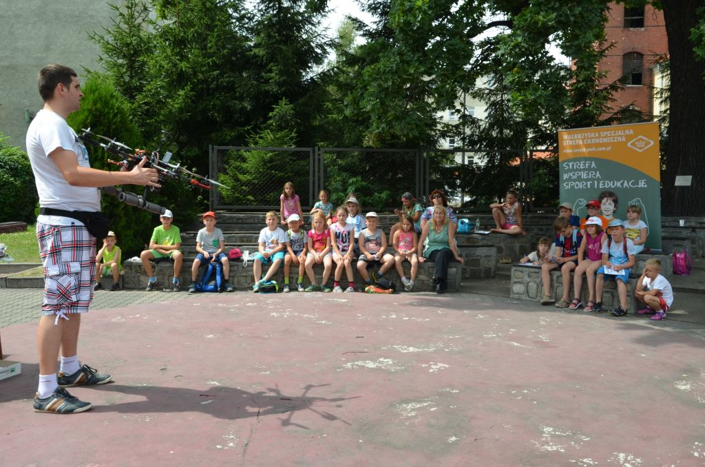 The drone was shown to the participants of summer activities at the Youth Culture Center in Świdnica